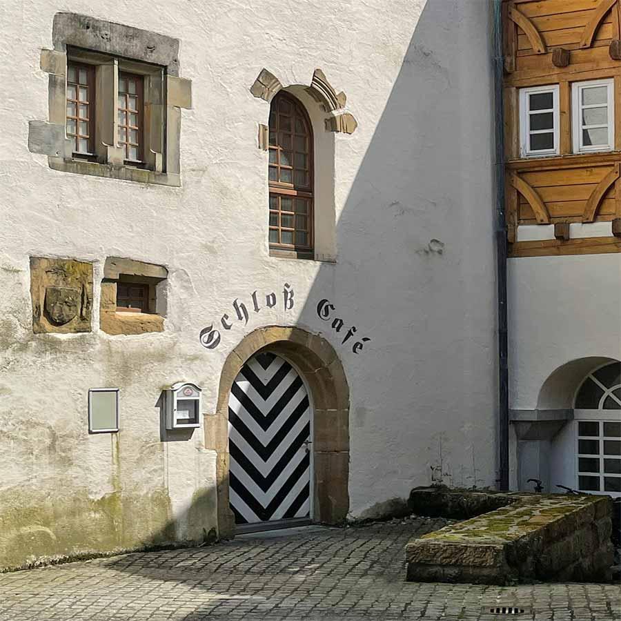 Schloss-Cafe-Eingang