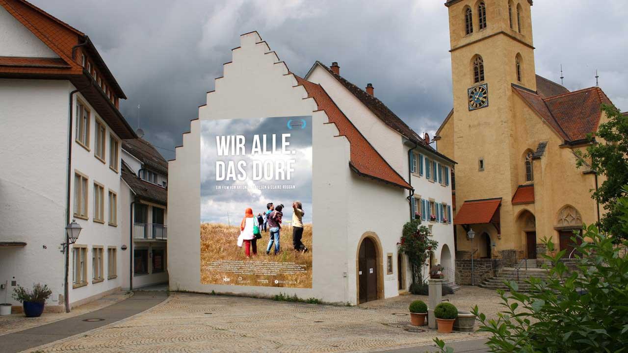 """Open-Air Schlosskino """"Wir alle. Das Dorf"""""""