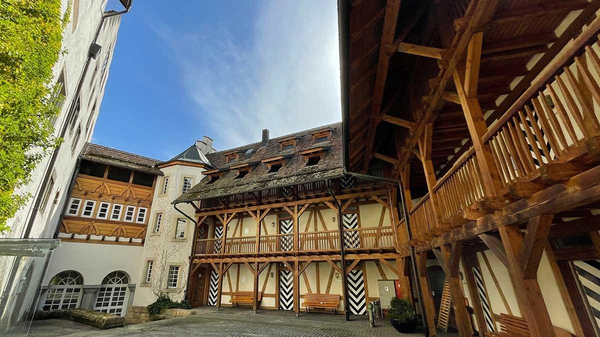 Schlossführung im Schloss Blumenfeld